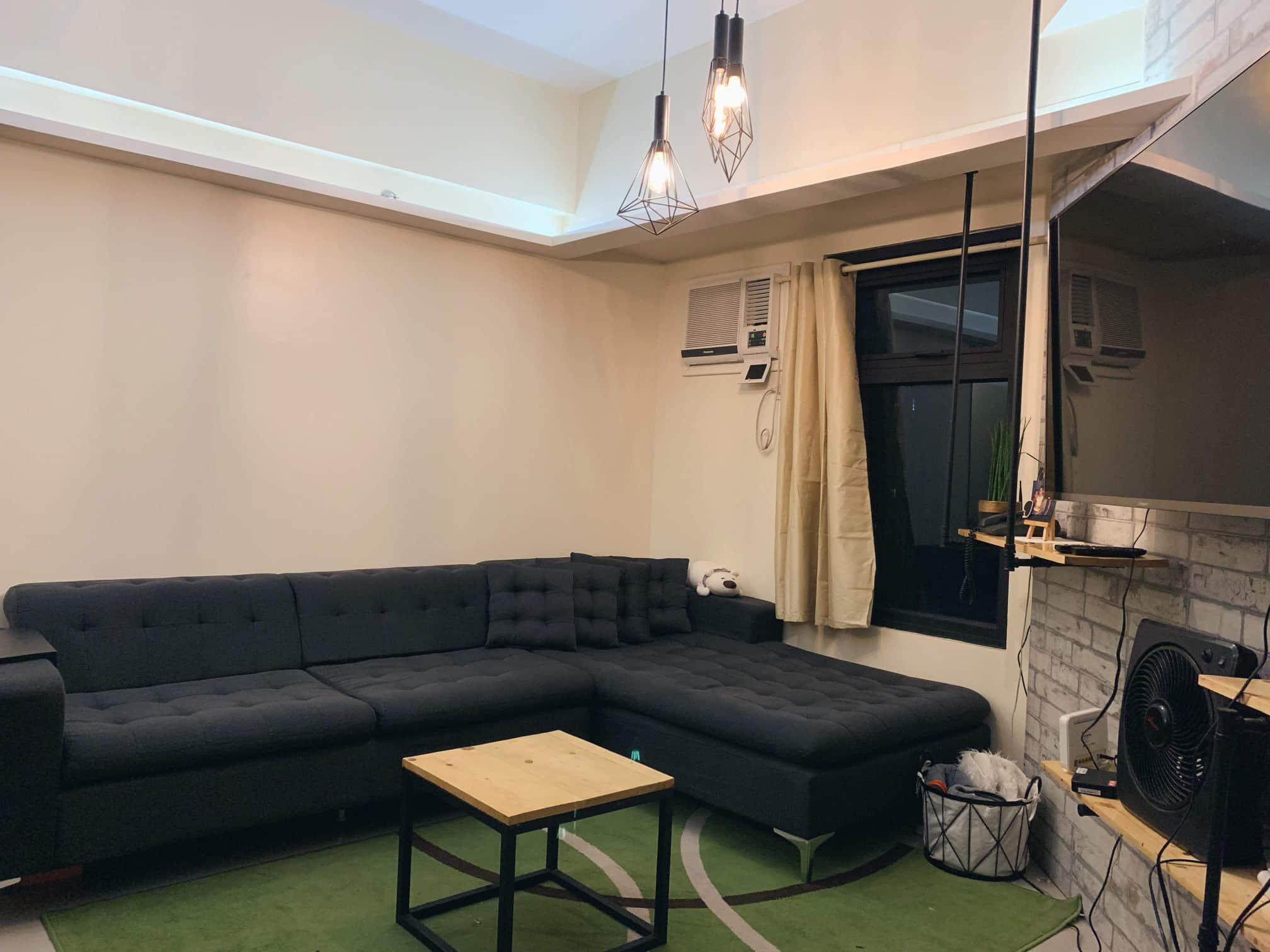 1BR Condominium in Trion Tower for Rent