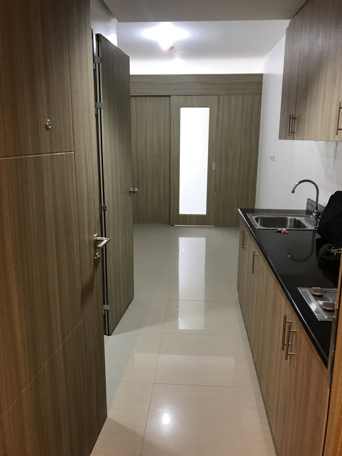 1BR Condominium in Shore Residences for Rent