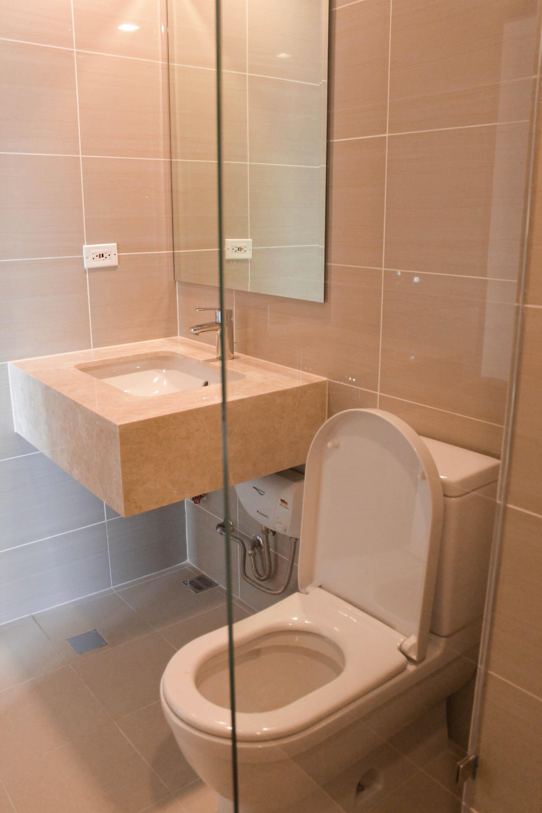 3BR Condominium in Mc Kinley for Rent