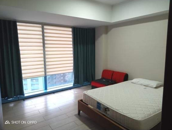 1BR FOR SALE IN THREE CENTRAL